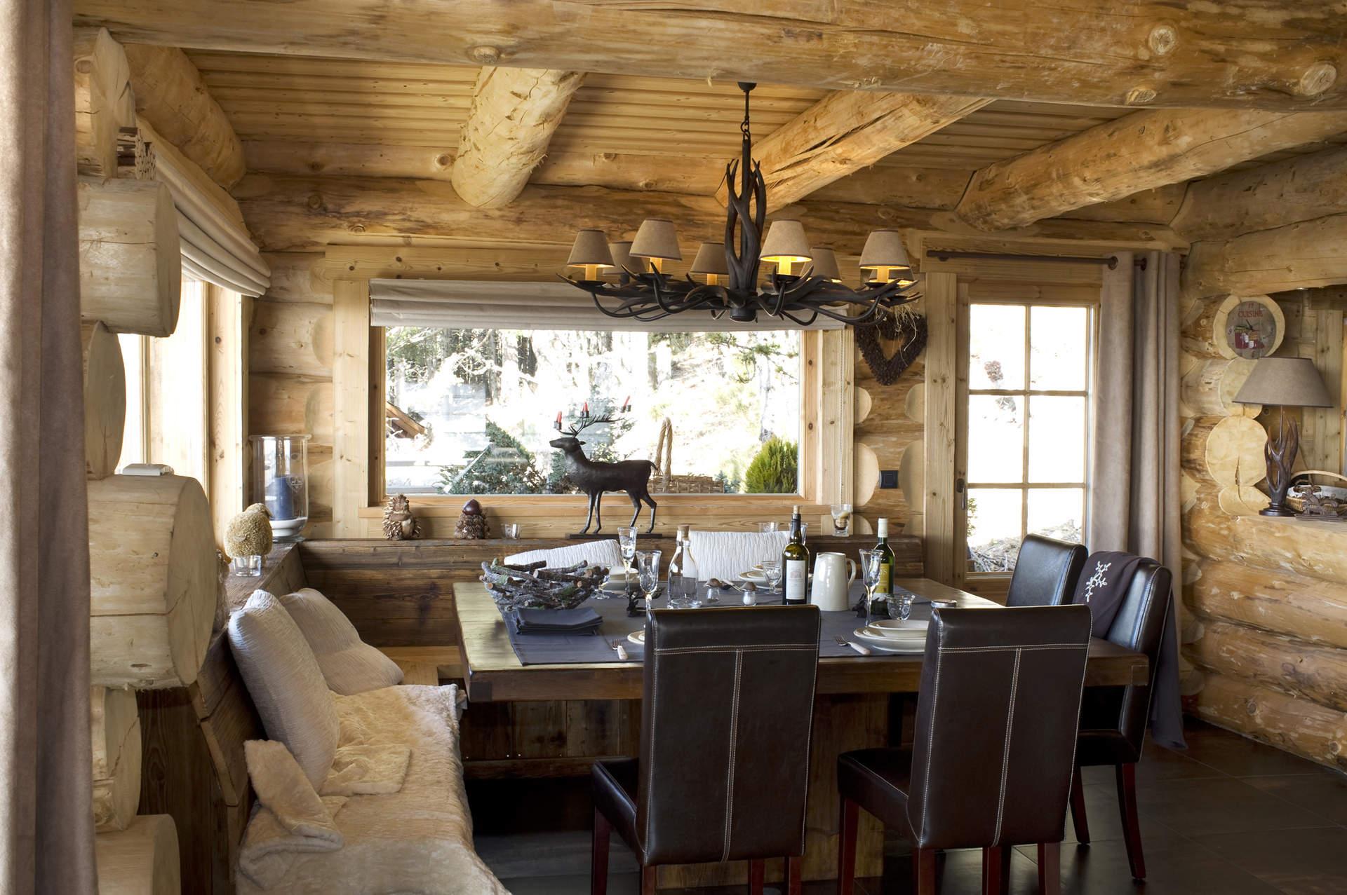Chalets nordika constructeur bois bolqu re pyr n es for Salle a manger rustique chic